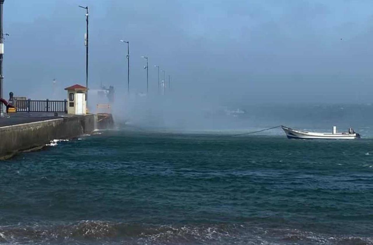 Viento superó los 120 km/h en Veracruz puerto