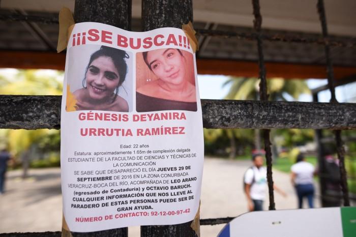 Universitarios organizan volanteo para localizar a Génesis