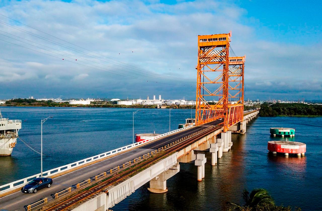 Vuelven a cerrar puente de Coatza I; cambiarán las parrillas