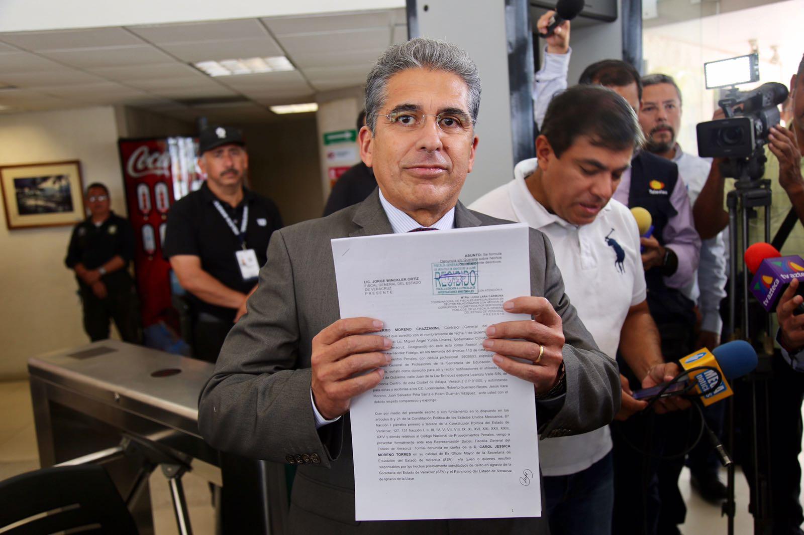 Contralor presenta denuncia contra cuñada de López Obrador