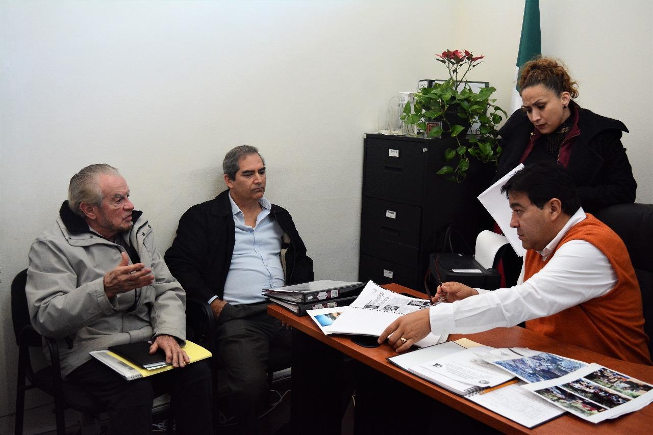 Atiende el Ayuntamiento a vecinos de El Tejar