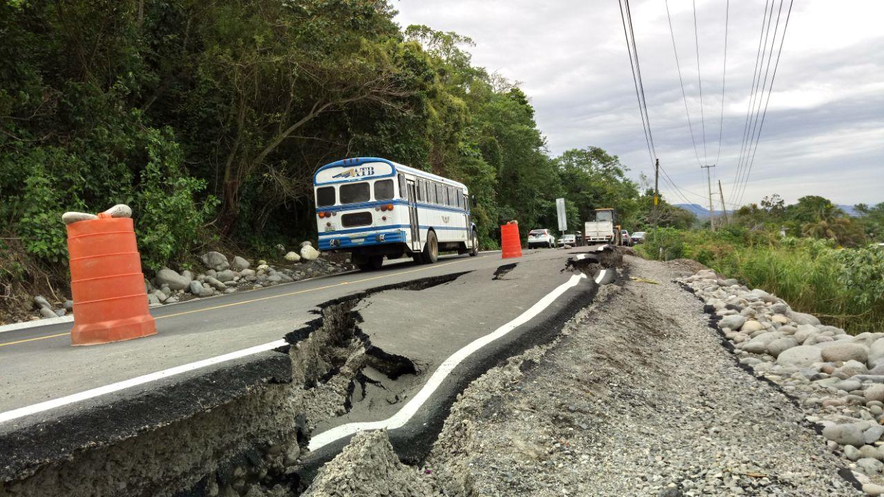 Falla geológica daña carretera recién inaugurada por Yunes