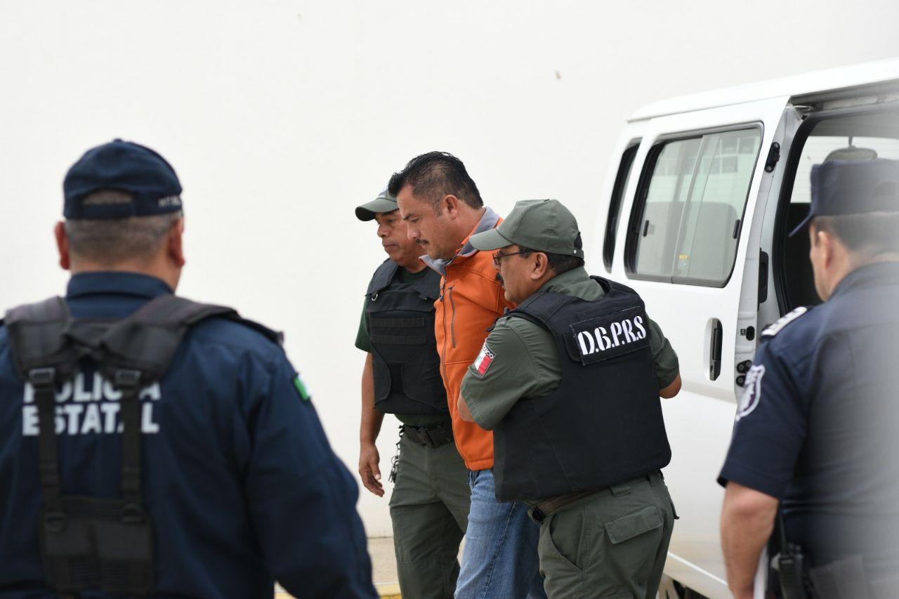 Por desaparición forzada, vinculan a proceso a 19 expolicías