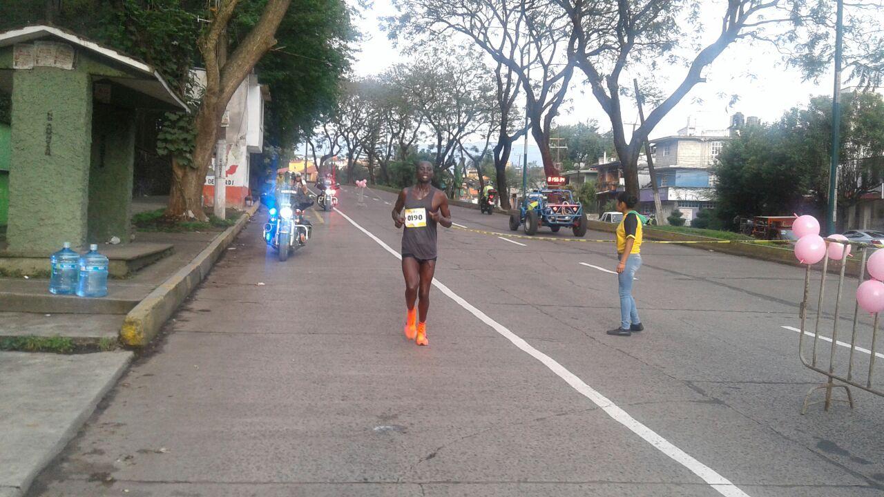 Maratón en Xalapa causó molestia a capitalinos y participantes