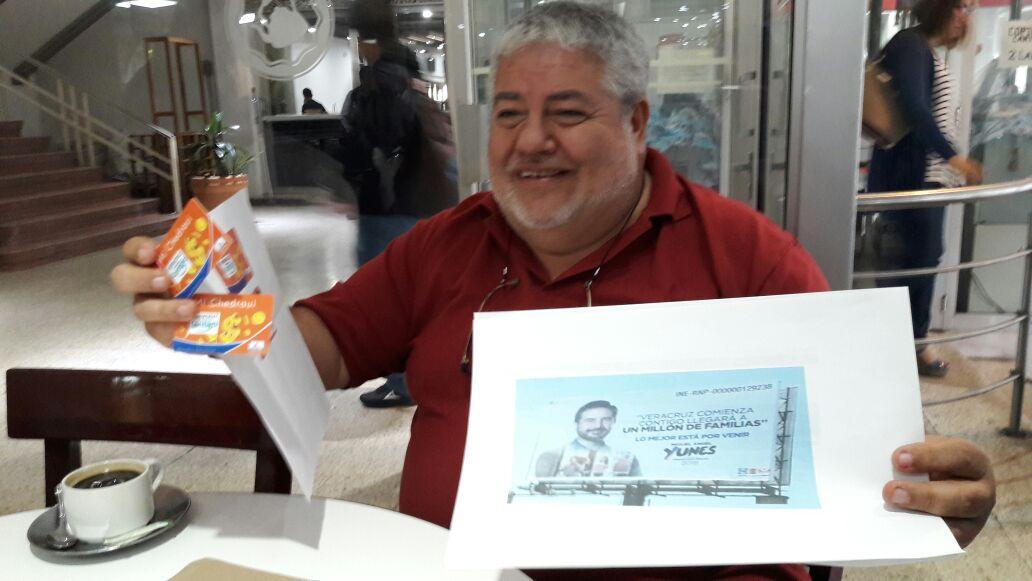 Morena presentará queja por espectaculares y tarjetas Chedraui
