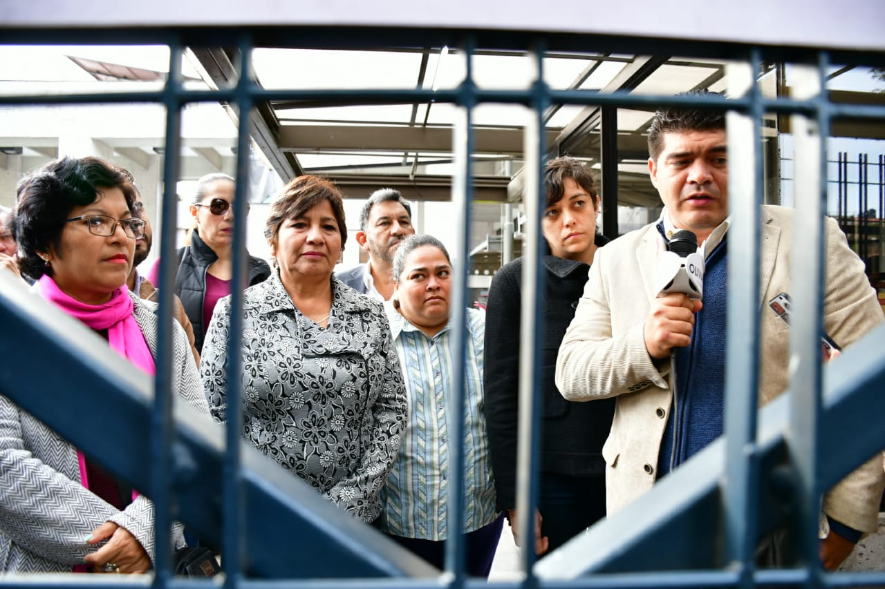 Bancada de Morena toma entradas y salidas del Congreso de Veracruz