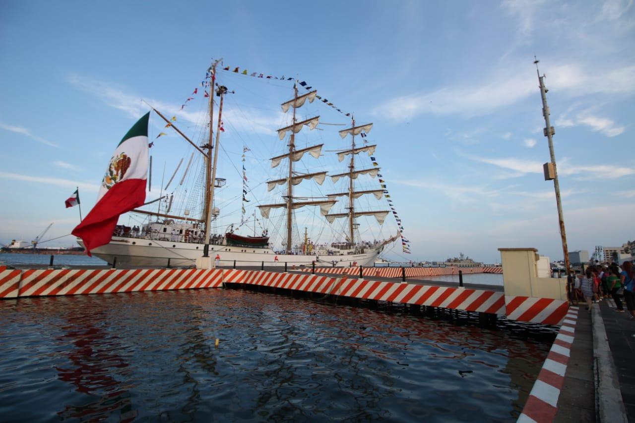 Visita el Buque Escuela Cuauhtémoc en el puerto de Veracruz