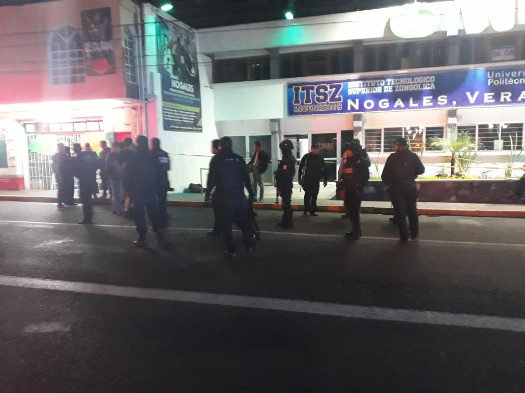 Asesinan a policía frente a Universidad en Nogales