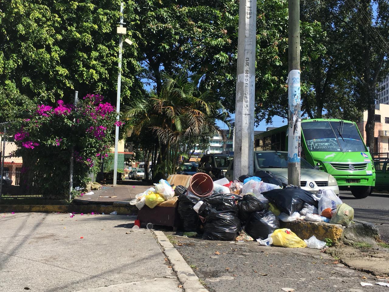 Ahued lamenta conflicto por basura en Xalapa; Yunes ofrece ayuda
