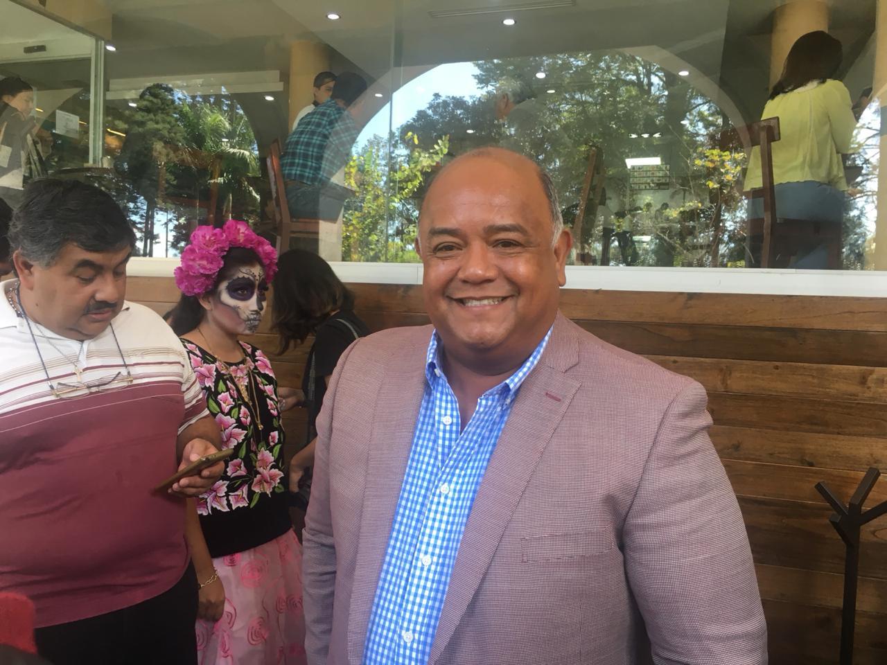 """Cisneros recomienda a Winckler ir por diputados de Morena, """"ya sabe donde están"""""""