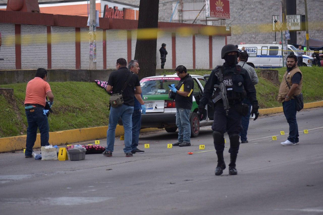 Enfrentamiento entre civiles y policías deja un muerto en Xalapa