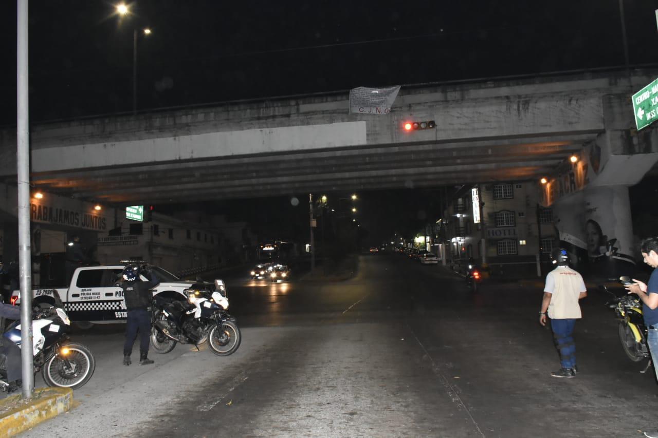 Cuelgan mantas del CJNG en Veracruz y Boca del Río