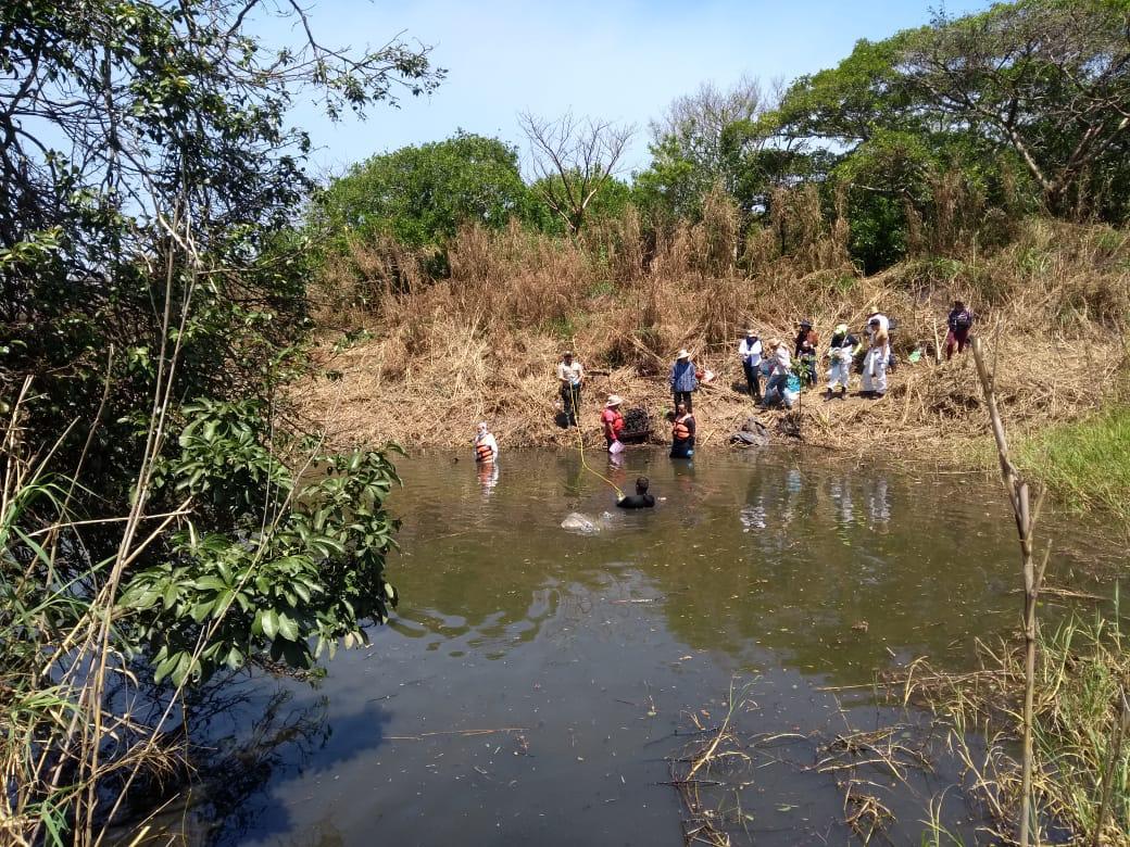 Hallan fosa clandestina en Nanchital con 65 restos óseos