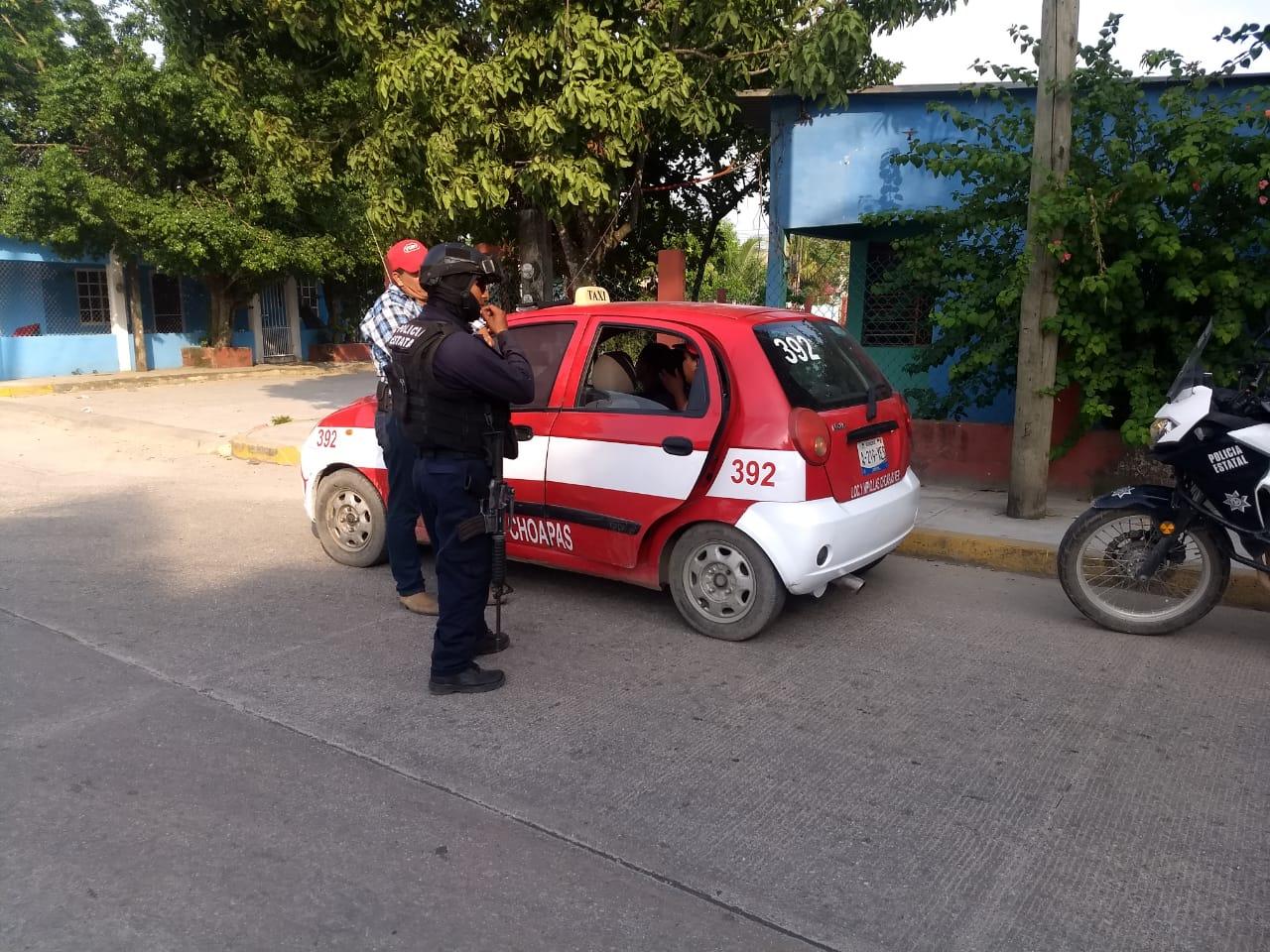 Detienen a taxista en Las Choapas por tráfico de migrantes