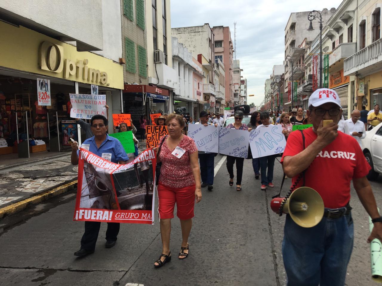 Manifestación en contra de Grupo MAS y CAB