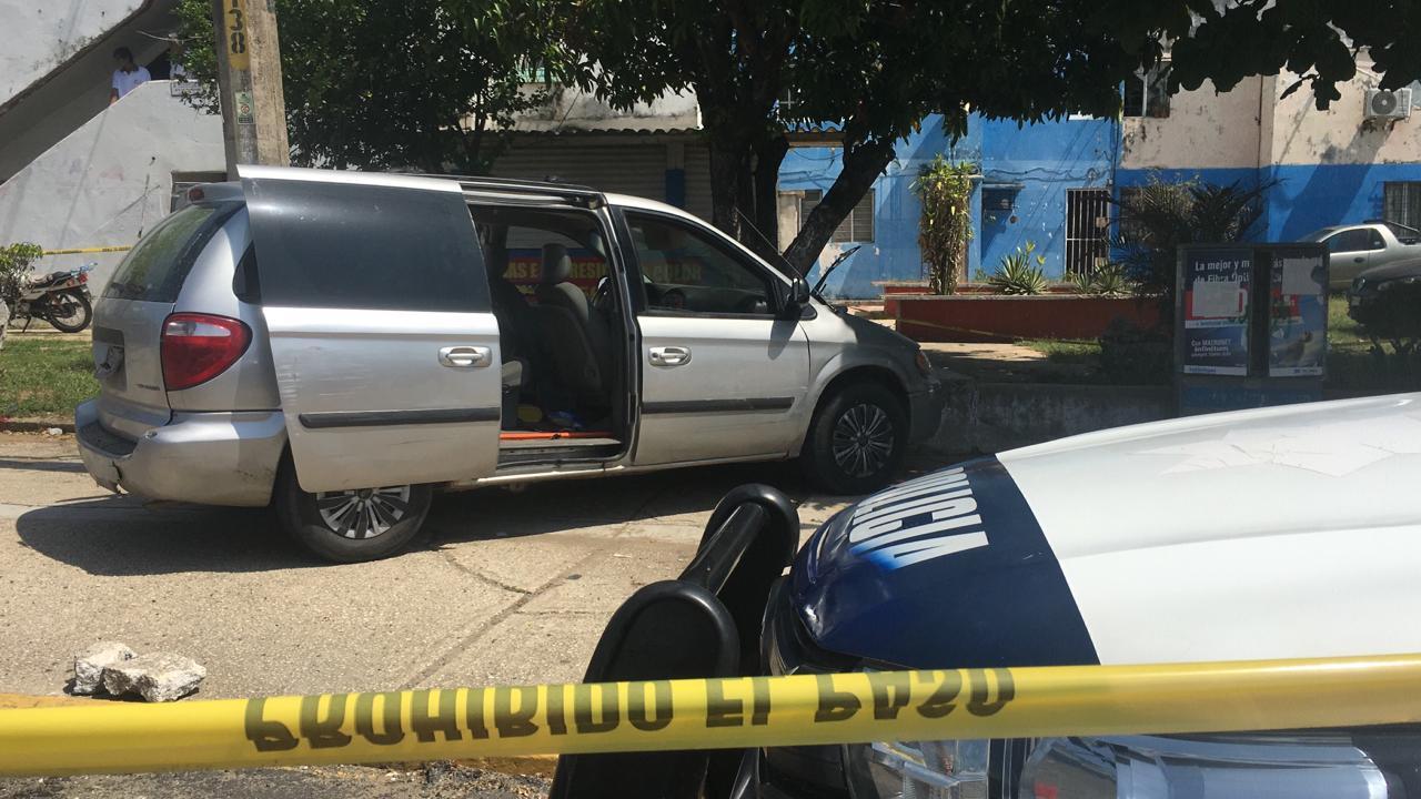Detienen a dos personas tras persecución en Coatzacoalcos