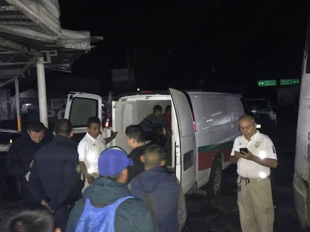 Detienen en Fortín a 16 migrantes, iban en autobús turístico