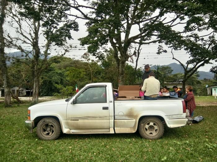 Roban camioneta a Las Patronas