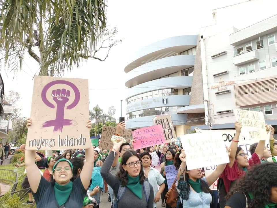 Mujeres marchan en Xalapa por derecho al aborto