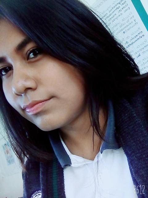 Piden ayuda para localizar a joven de Huatusco