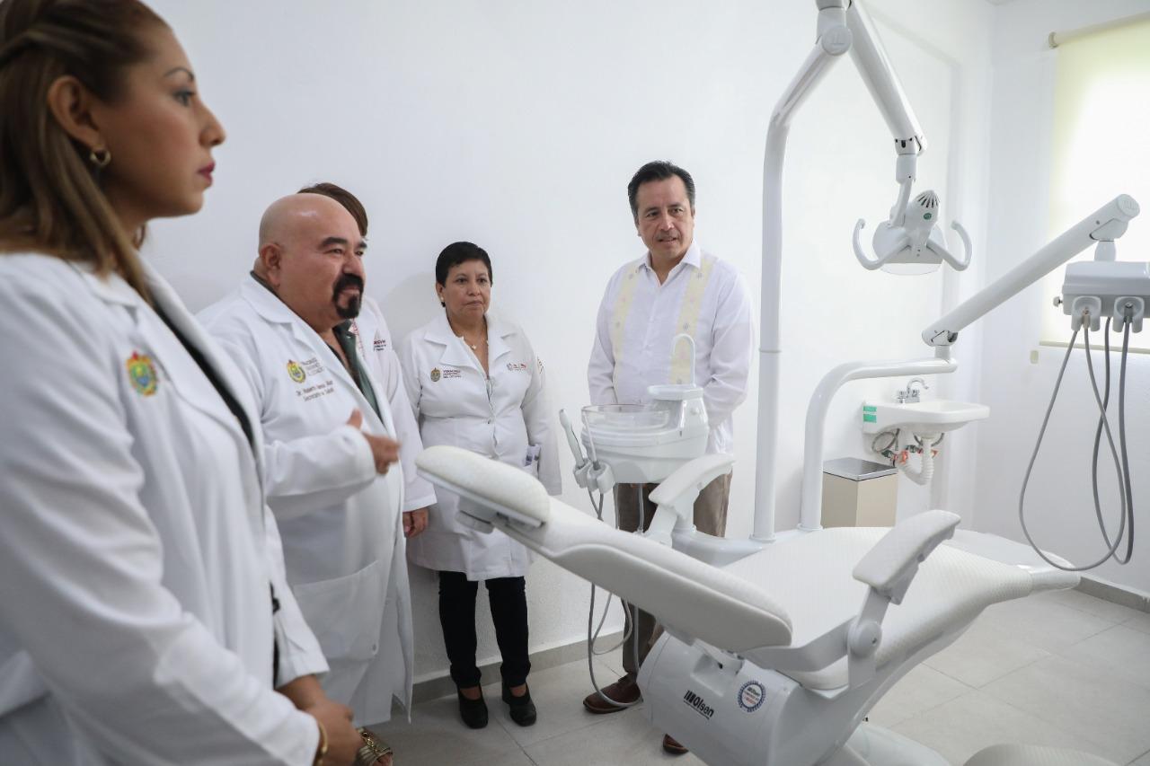 Inaugura gobernador nuevo Centro de Salud en Tierra Blanca