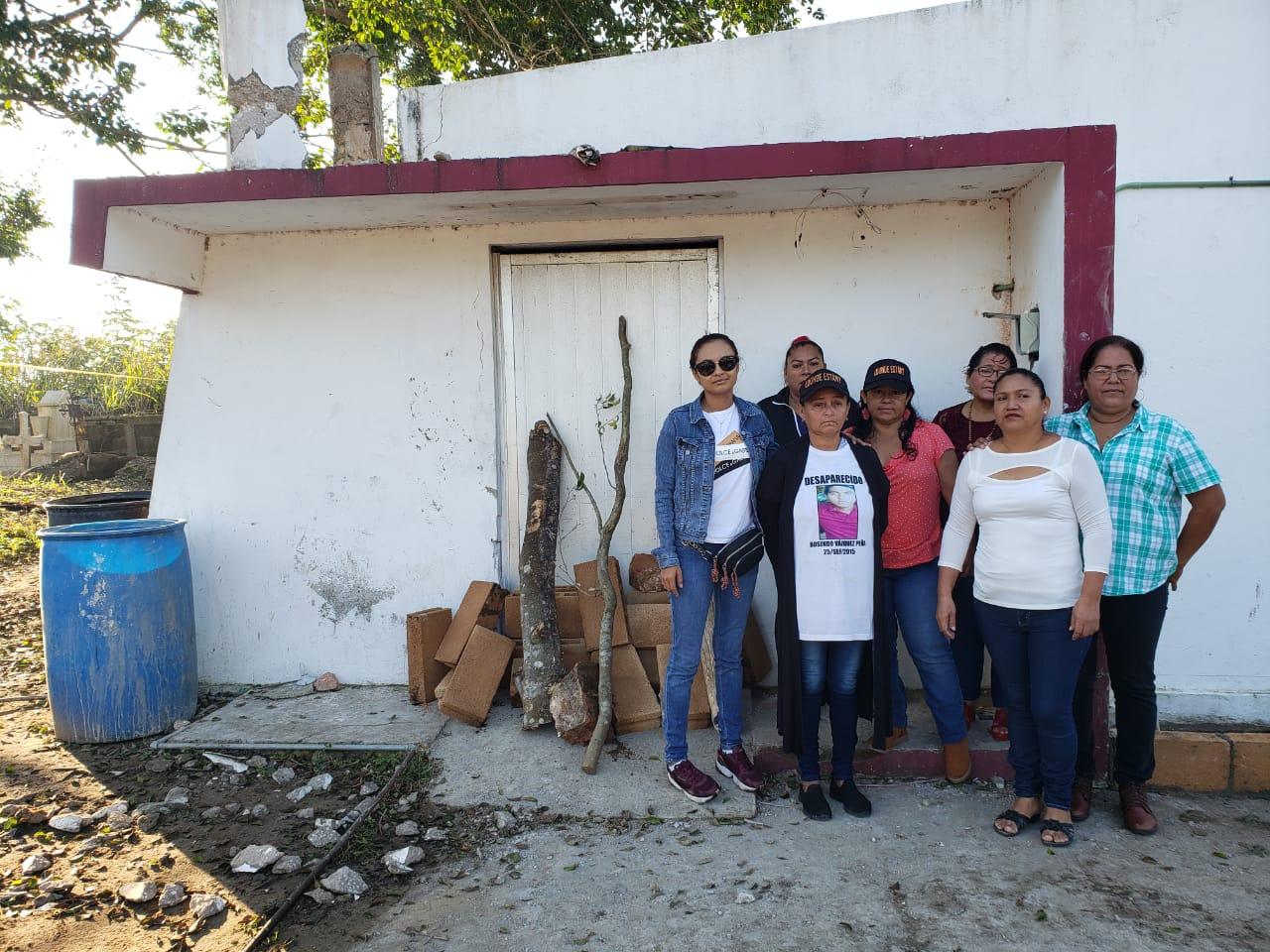 Colectivos toman instalaciones de SEMEFO en Coatza