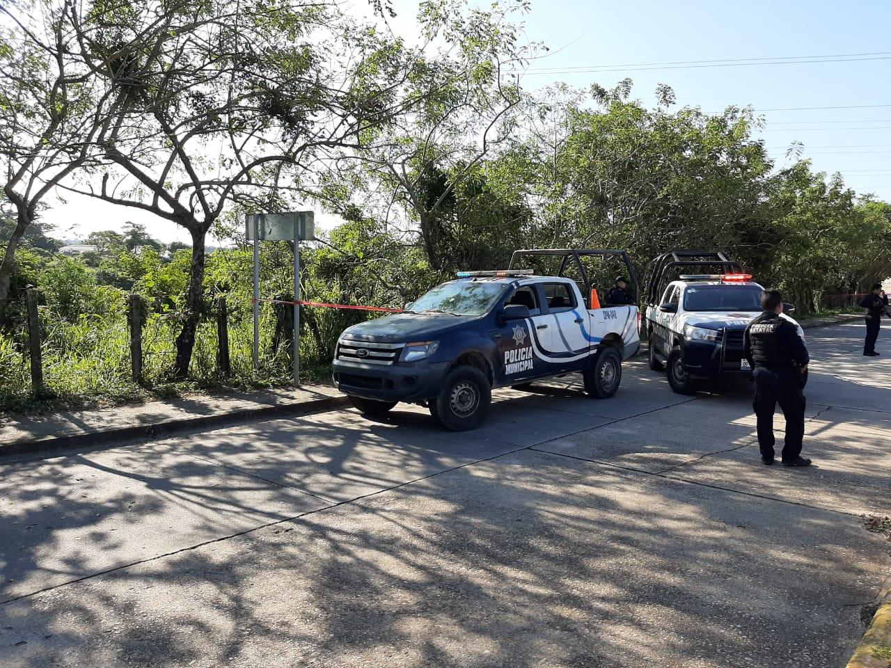 Abandonan a ejecutado en carretera de Ixhuatlán del Sureste