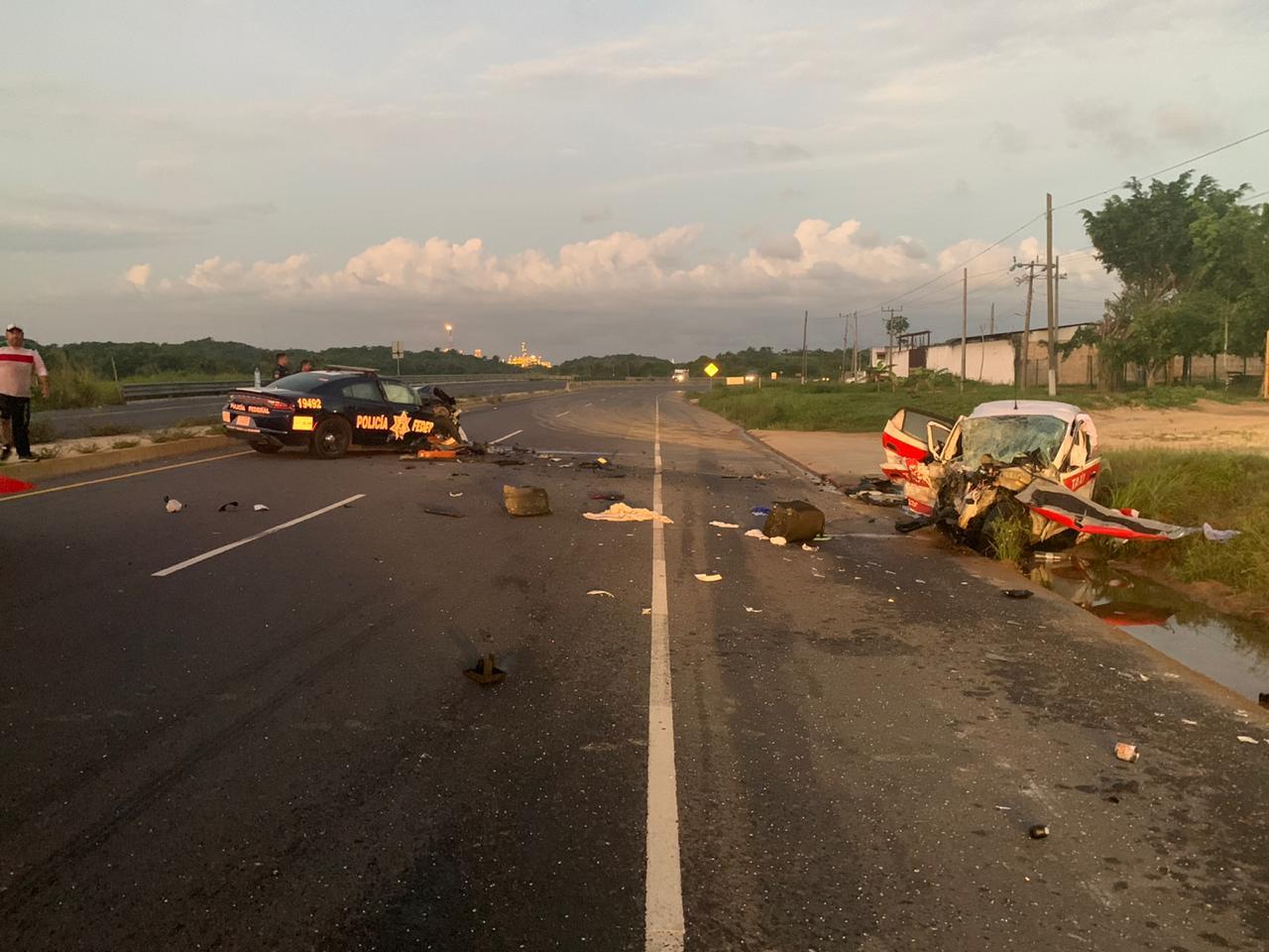 En choque con patrulla, muere taxista en Nuevo Teapa
