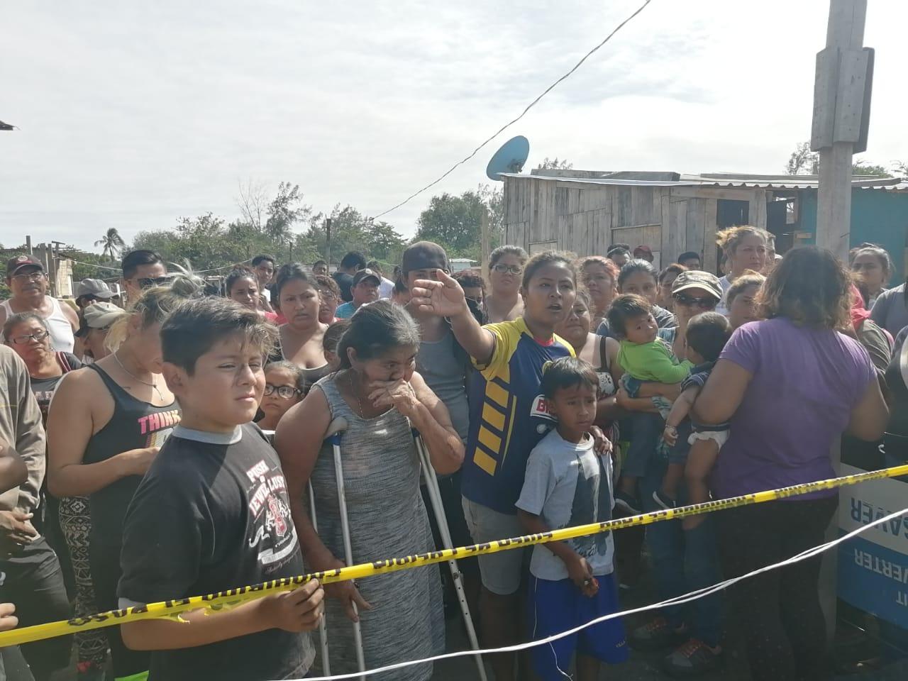 A la calle 150 familias durante desalojo en colonia Campestre