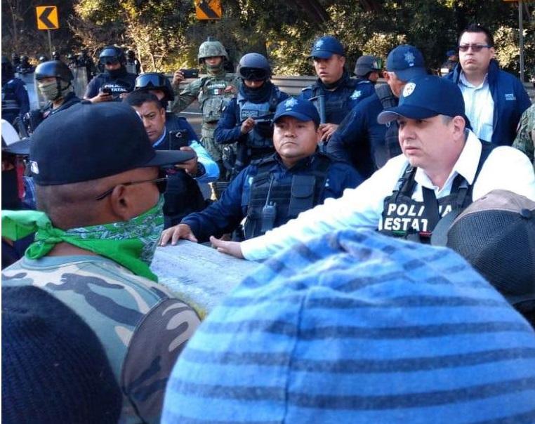 Después de tres horas, manifestantes disuelven paro en autopista Córdoba-Puebla