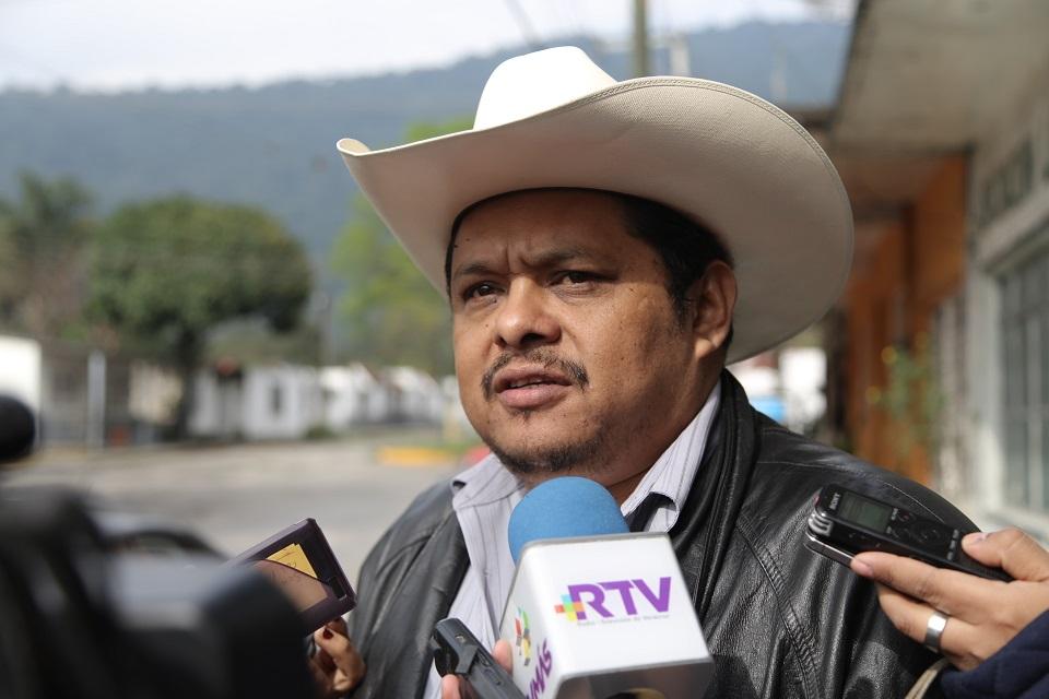 Se llevan a dirigente cañero de ingenio El Carmen en Ixtaczoquitlán