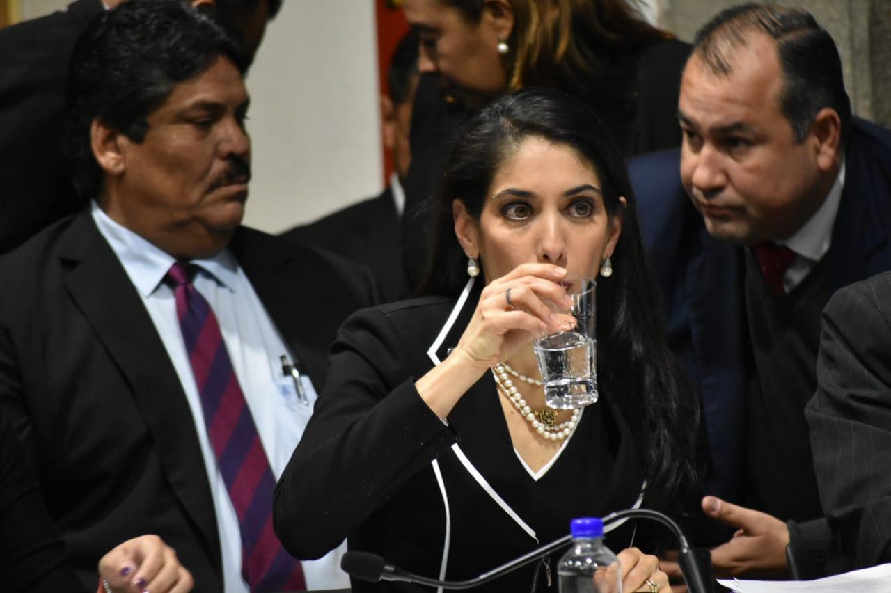 [VIDEO] Fiscal veracruzana admite ser prima de una líder de