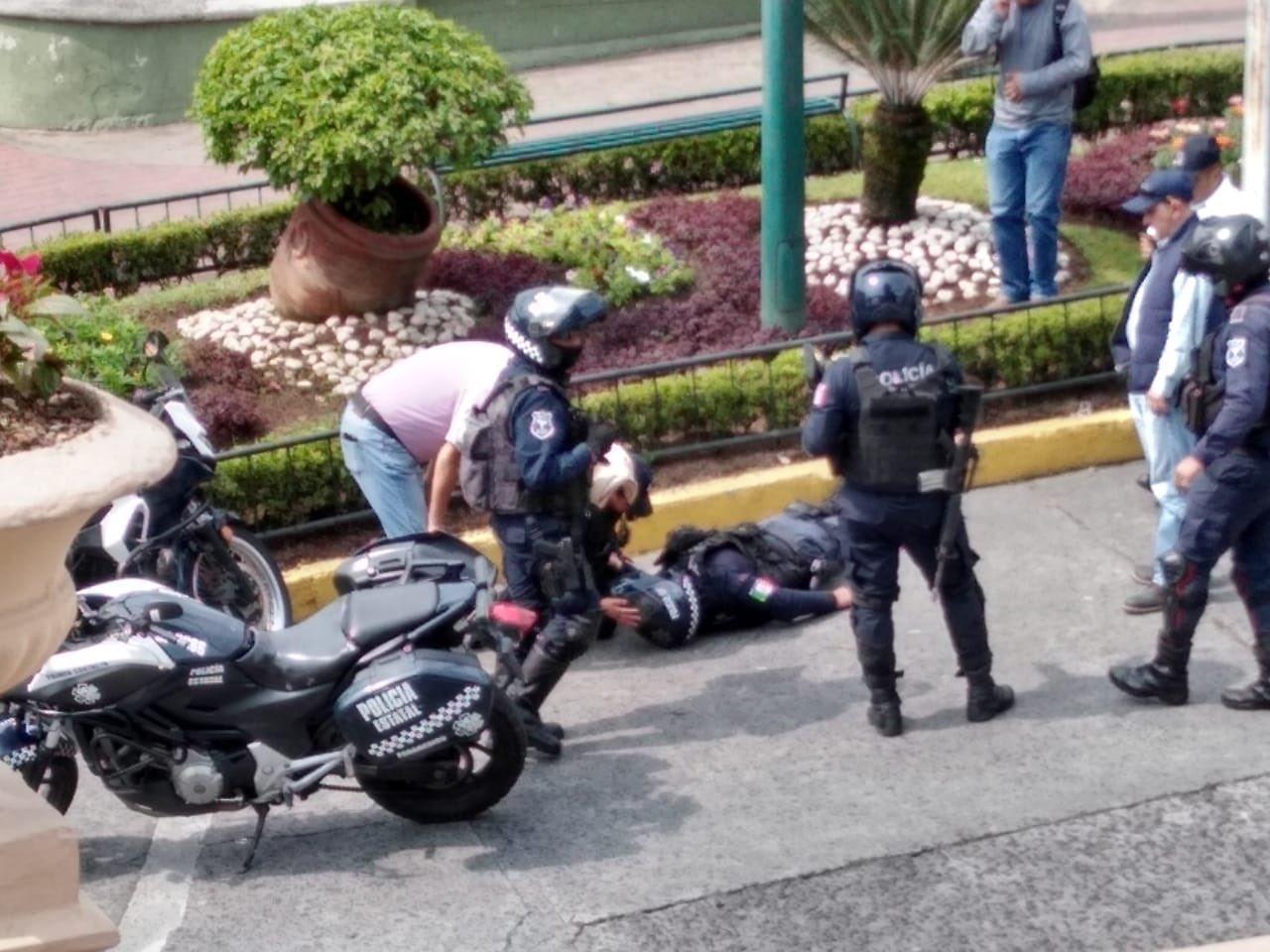 Atropellan a policía, conducía en sentido contrario por Clavijero
