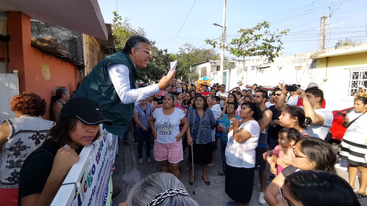 Padres de familia denuncian malos manejos en jardín de niños de Veracruz