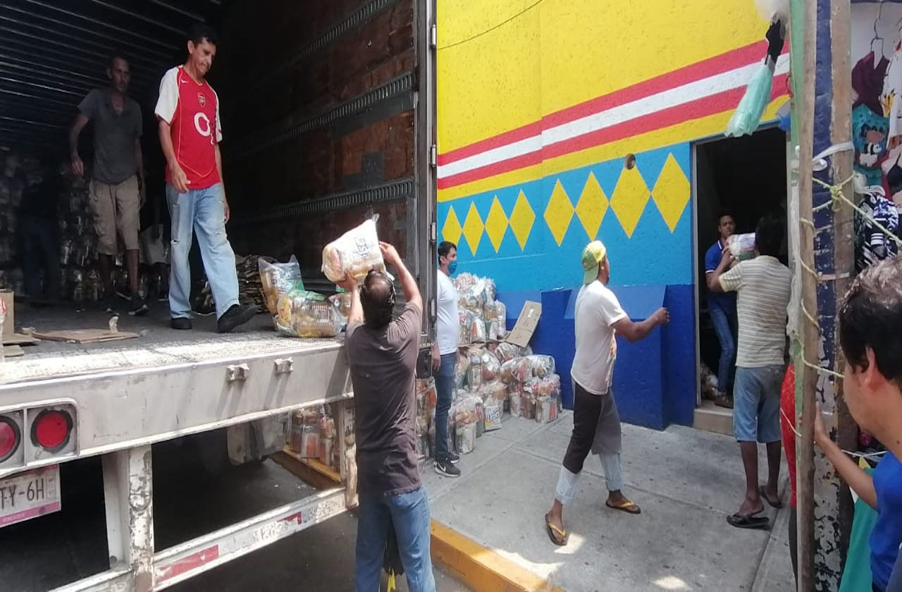 Llevan mil 500 despensas de Coatza a Nuevo León, por contingencia