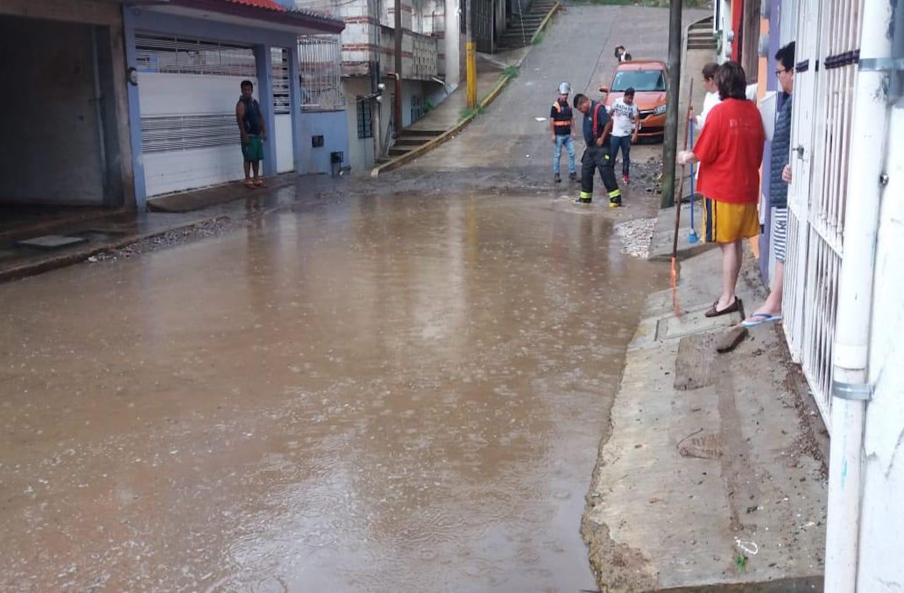 Segunda tormenta con granizo de abril deja daños en Xalapa