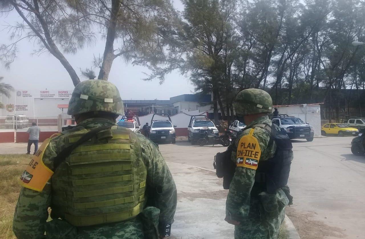 Movilización policiaca en CERESO de Coatza por riña entre reclusos