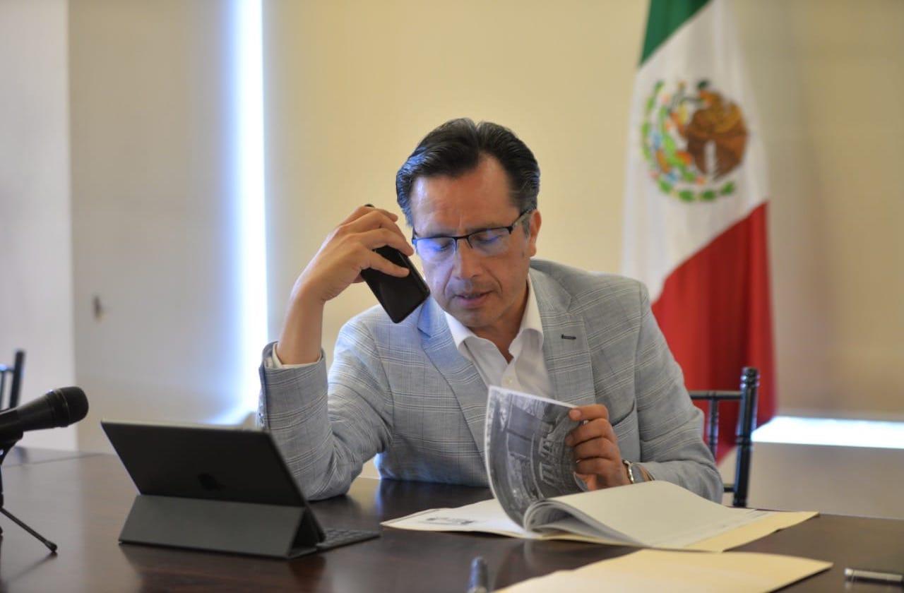"""""""Poquito porque es bendito"""": Cuitláhuac supervisará créditos"""