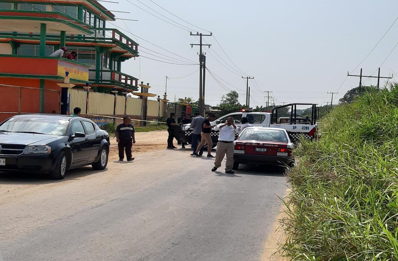 Arrojan cuerpo sobre carretera Nanchital-El Chapo