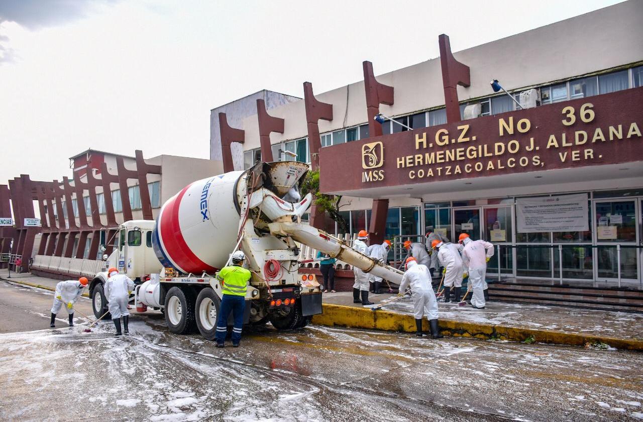 Trabajadores de la salud agradecen sanitización de Hospitales en Coatza