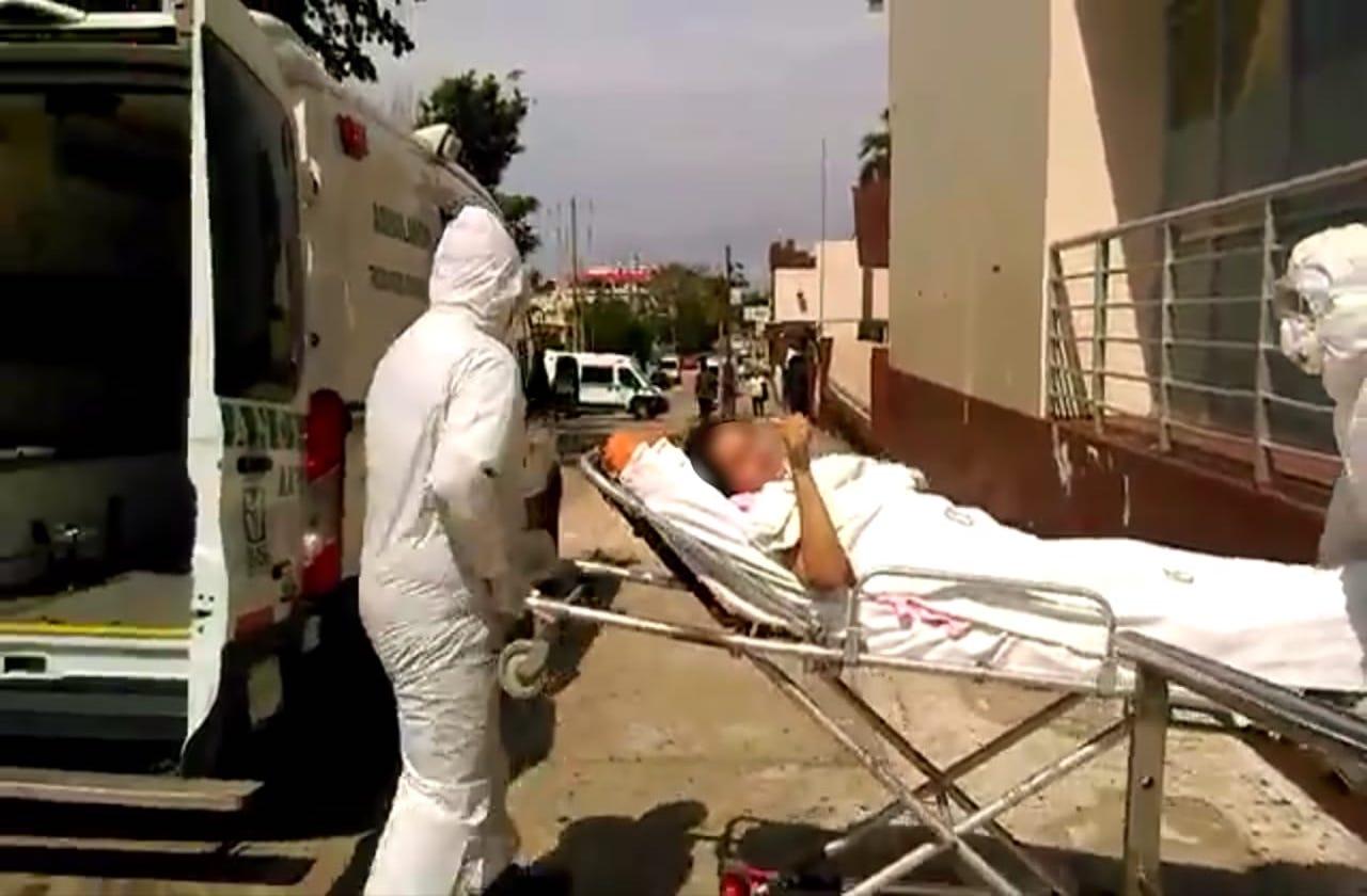 Después de 36 días, paciente covid egresa del IMSS de Coatza
