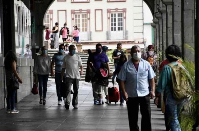 ¿Qué actividades se suspenden con semáforo en rojo en Xalapa?