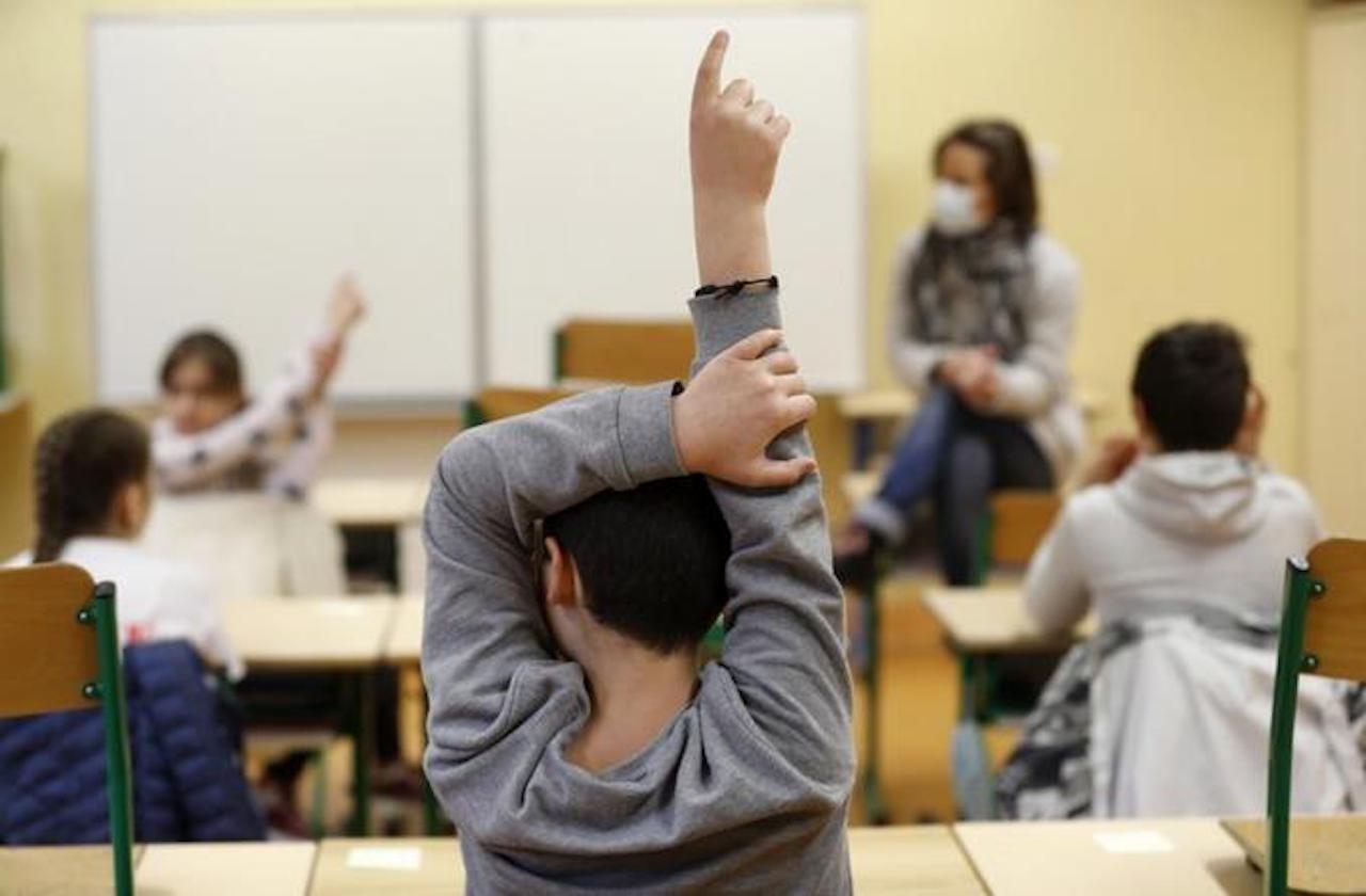 Sin clases en línea, regreso a las aulas: SEV
