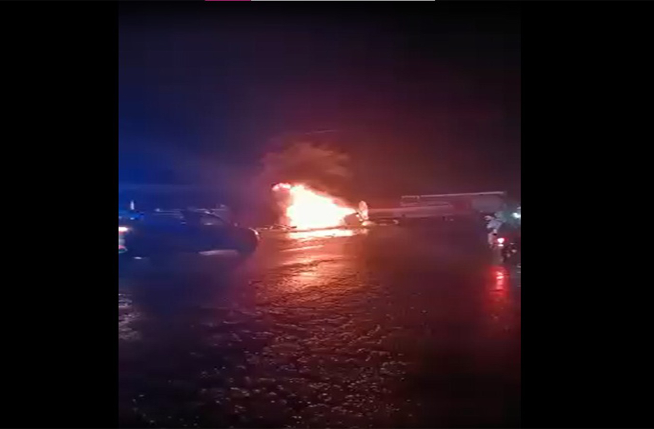 Tras choque arde pipa en la carretera Córdoba-Veracruz
