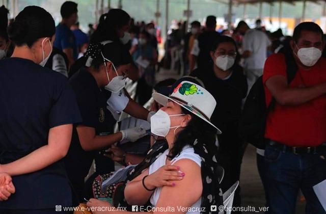 Cambian sedes de vacunación para 30 a 39 años en Xalapa