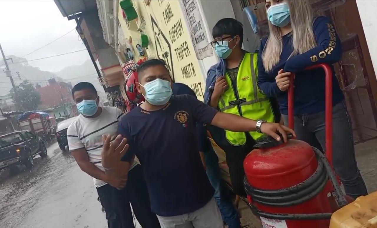 VIDEO   Bomberos de Zongolica protestan por falta de recursos