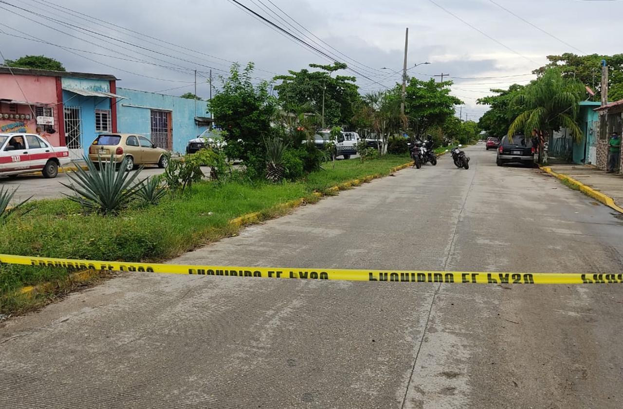 Tras robo de vehículo, detienen a 2 en Coatza