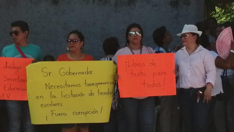 Ignora Cuitláhuac peticiones de maestros de telesecudarias