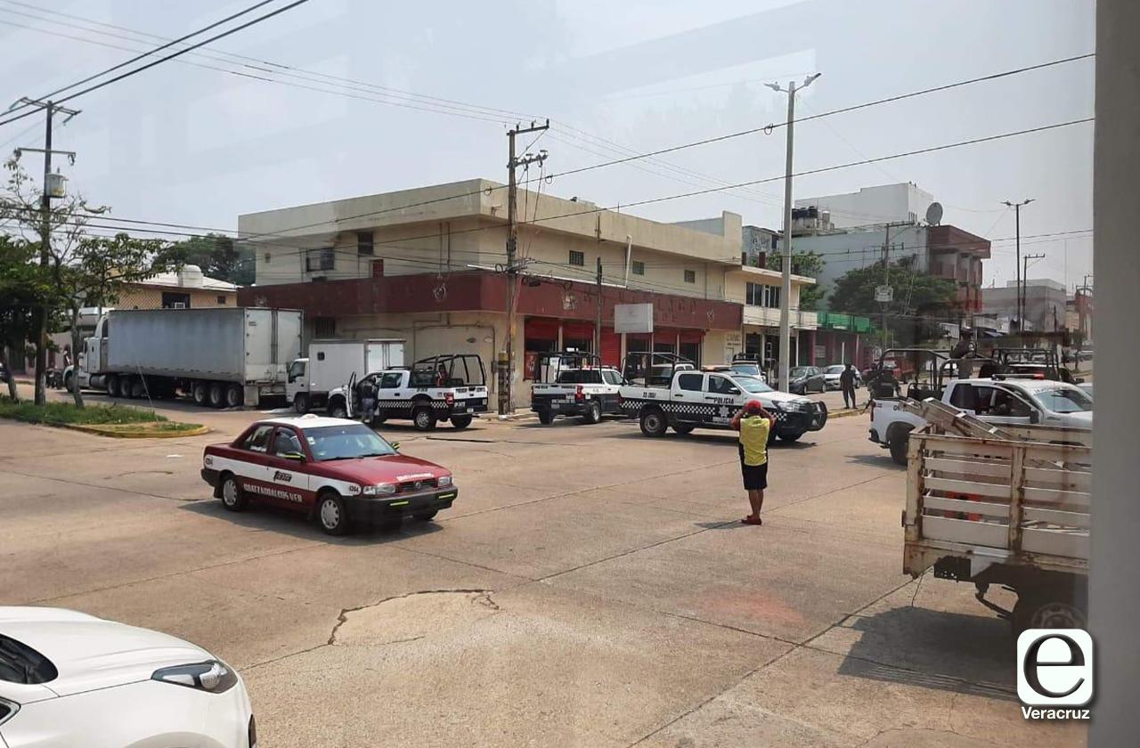 Tras asalto y tiroteo en tienda de licores, detienen a 4 en Coatza