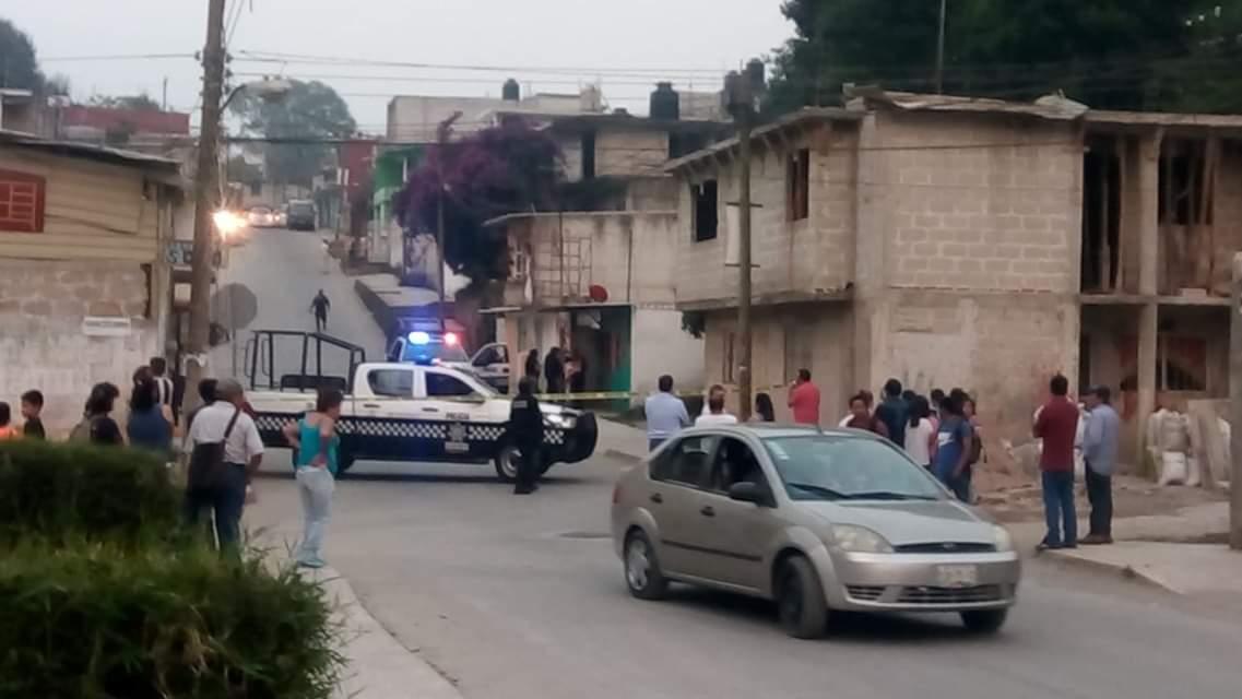 En Xalapa disparan a dos sujetos mientras platicaban; muere uno